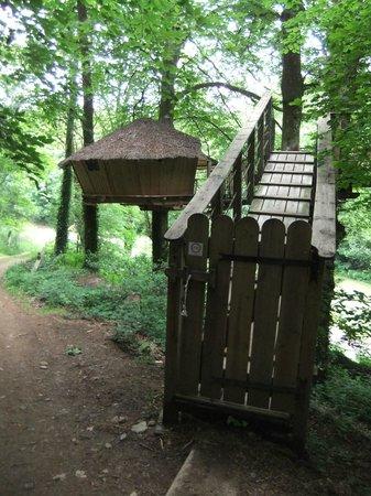 Vallee de Pratmeur:                   L'entrée de la cabane Minochen