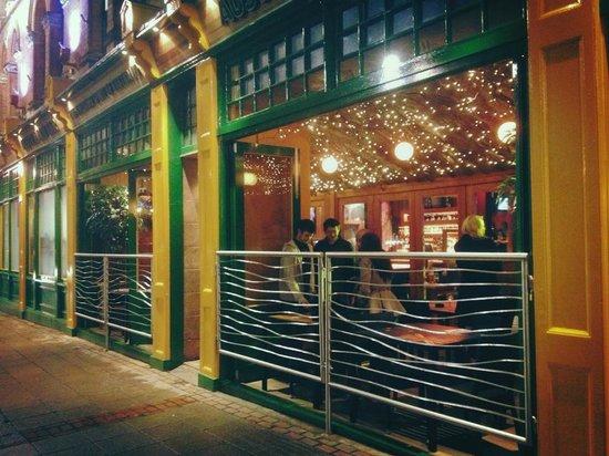 Walkabout Pub & Bar: Smoking Terrace