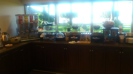 Best Western Plus Beach Resort: The very limited breakfast buffet