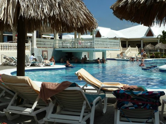 ClubHotel Riu Negril:                   swim up bar