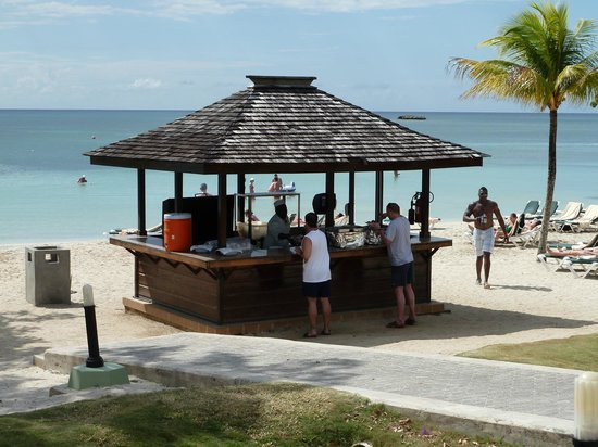 ClubHotel Riu Negril:                   lunch jerk chicken