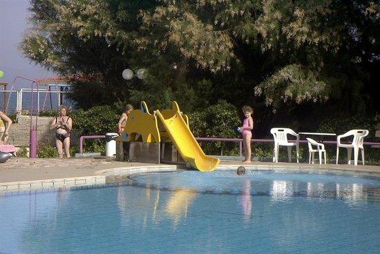 Seaside Apartments:                   Pool - Kinderrutsche