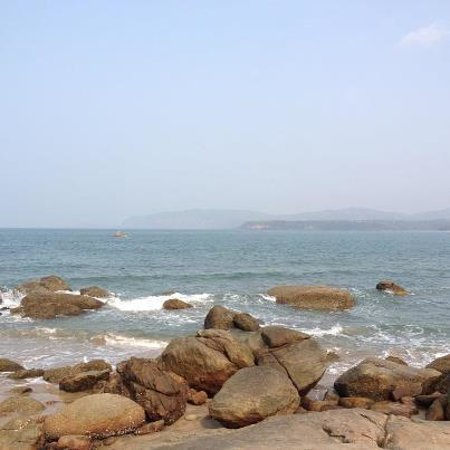 Agonda Beach :                   rocky end of the beach