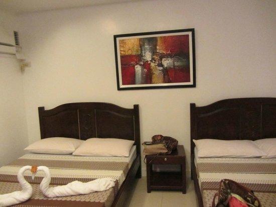 Villa Simprosa Boracay:                                     Cozy Bed