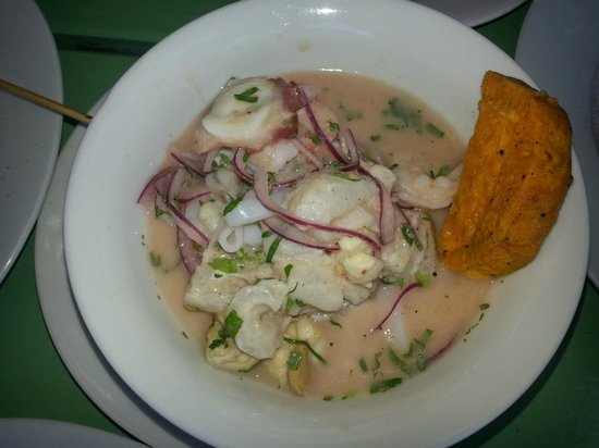 Fish Market Manantiales:                   CEVICHE MIXTO