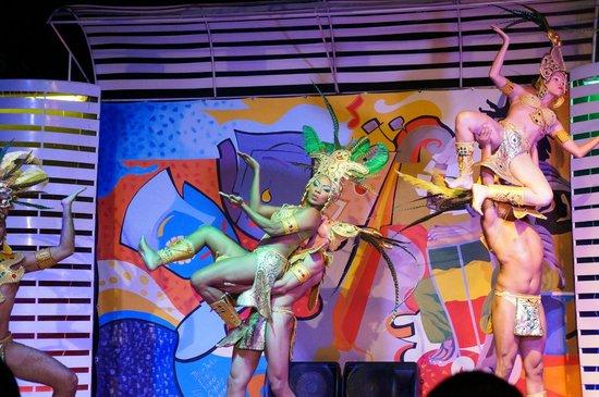 Decameron Cartagena:                                     night performances