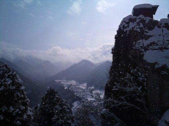 Risshaku-ji Temple:                   圧巻!恐怖感もありますが。