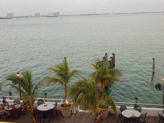 BEST WESTERN On The Bay Inn & Marina:                                     bw