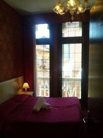 Hotel Messner:                   la camera sul canale