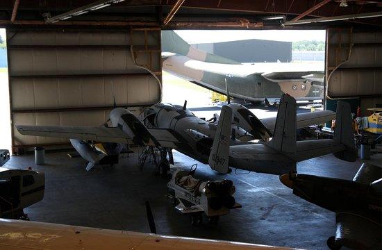 Air Heritage Museum:                                     L' OV-10 de la collection