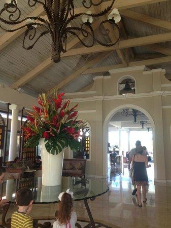 Melia Coco Beach: Lobby