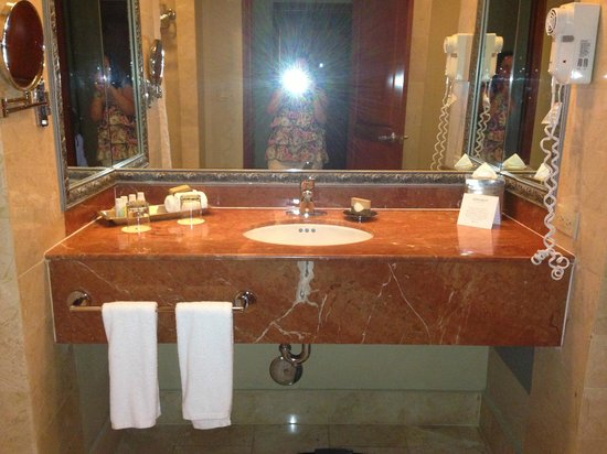 Melia Coco Beach : bathroom
