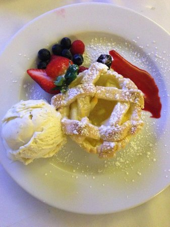 Le Parker Meridien New York: warm apple pie a la mode