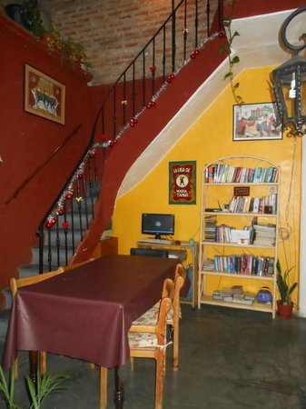 La Casa de Maria Tango:                   Dining area with stairs up to the terrace