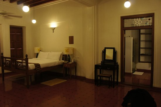 Visalam: Our room