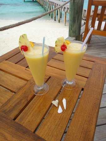 Kuramathi Island Resort: Two of many, many cocktails