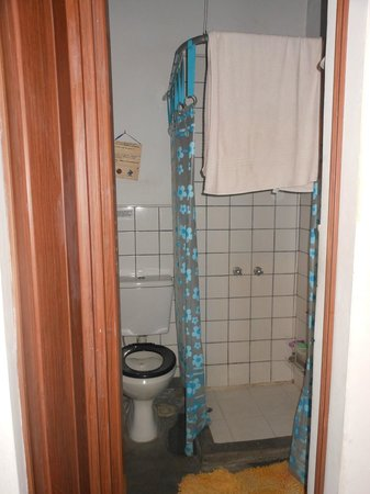 La Casa de Maria Tango:                   Bathroom attached to our room