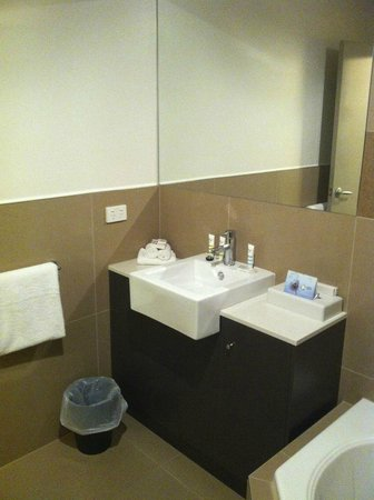 Horsham International Hotel:                                     Bathroom