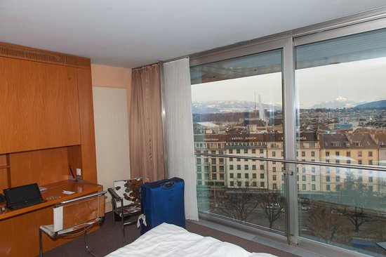 Cornavin Hotel Geneva:                   Room on 9th floor