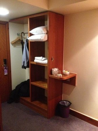 Premier Inn Watford Central Hotel:                   Room 309