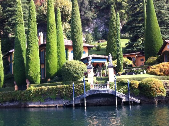 Villa d'Este: Lovely Island Mansion