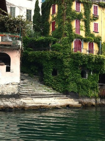 Villa d'Este: Ancient Steps, Water Access