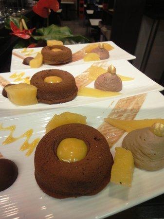 Pastry Plaisirs : brownie, caramel exotique, mousse chocolat, ananas pochés à la menthe poivrée