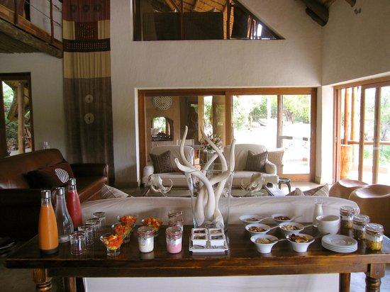 Royal Madikwe Luxury Safari Lodge:                                     Breakfast after Safari (eggs etc are served as well)