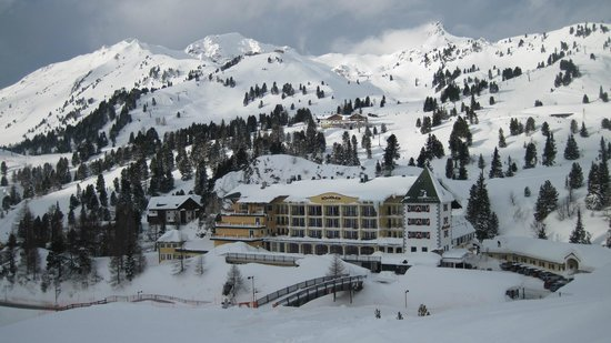 Hotel Roemerhof: View from slope