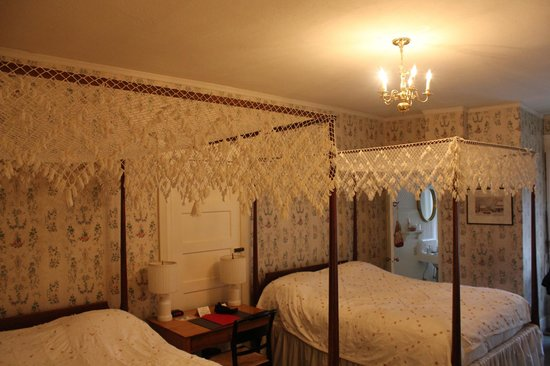 The Red Lion Inn: Cozy Double Room