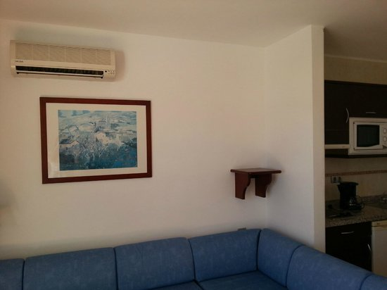 Hotel Floresta:                   Airconditiong unit