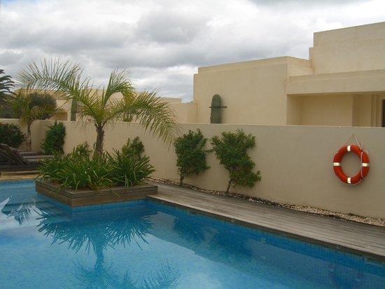 Alondra Villas & Suites:                   Piscina -Jardin (Privado)