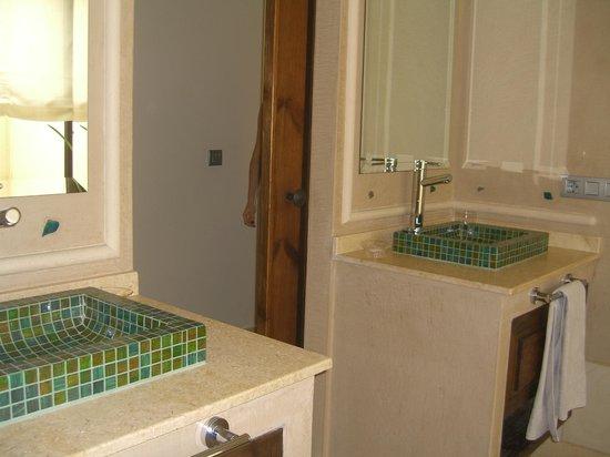 Alondra Villas & Suites:                   Baño 1