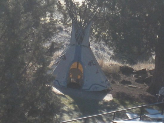 "Kah-Nee-Ta Resort & Spa:                   A ""TeePee"" on site"