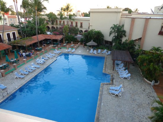 Hotel Playa Mazatlan:                   The main pool from our deck