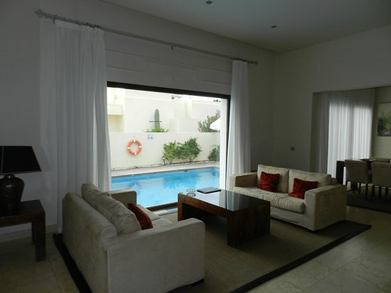 Alondra Villas & Suites:                   Salon