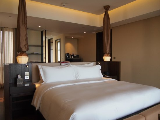 Vana Belle, A Luxury Collection Resort, Koh Samui: Generous room