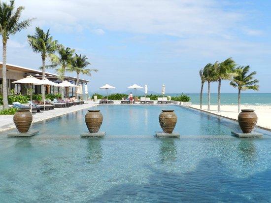Mia Resort Nha Trang:                   Pool