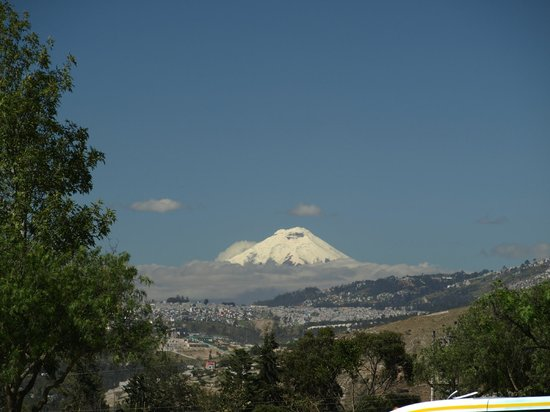Hotel Sierra Madre:                   Driving to Cotopaxi