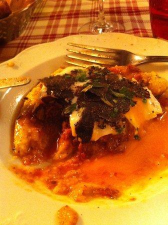 Trattoria Sant Ambroeus:                   antipasto con uovo polenta e tartufo