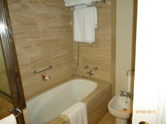 InterContinental Hotel Buenos Aires: bañera comoda para grandes