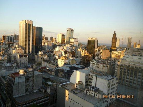 InterContinental Hotel Buenos Aires: atardecer hacia el rio de buenos aires