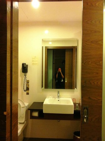 Grand Borneo Hotel:                   Pees-a-boo... I see you...