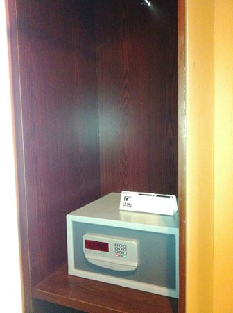 Grand Borneo Hotel:                   The closet with the safety deposit