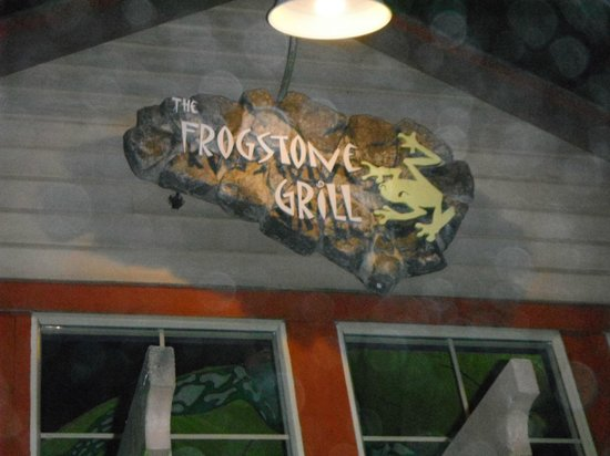 Frogstone Grill: Signage