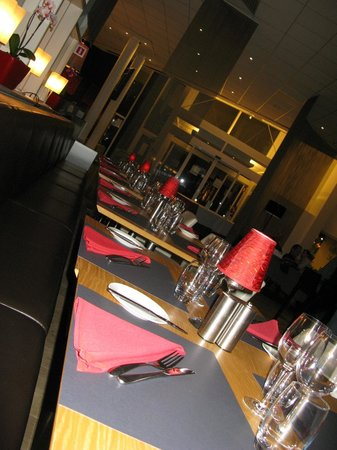Novotel Brugge Centrum:                   Ужин