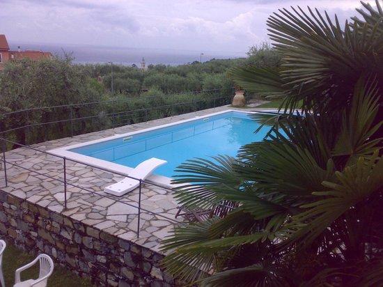 Le Querce sul Mare: piscina