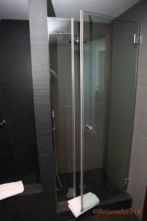 Mediterranean Palace Hotel:                   Zimmer 6080 Dusche