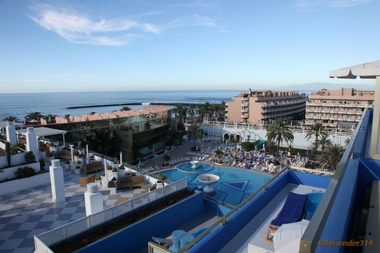 Mediterranean Palace Hotel (Mare Nostrum Resort):                   Blich zum Stand morgens