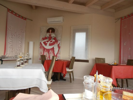 Hotel Nabia:                   Comedor